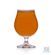Copo com Cerveja Saison